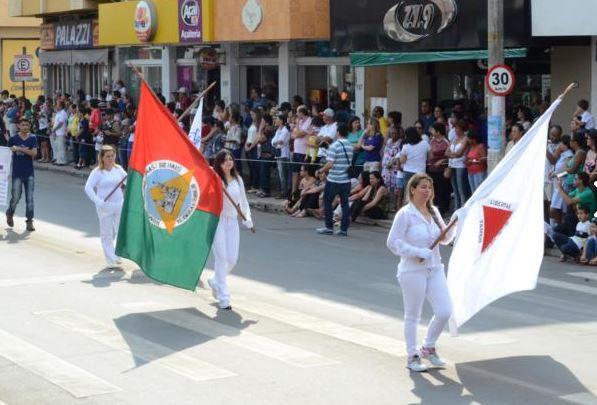 Apresentação no Desfile de 7 de Setembro - Fotos de Ricardo Santos